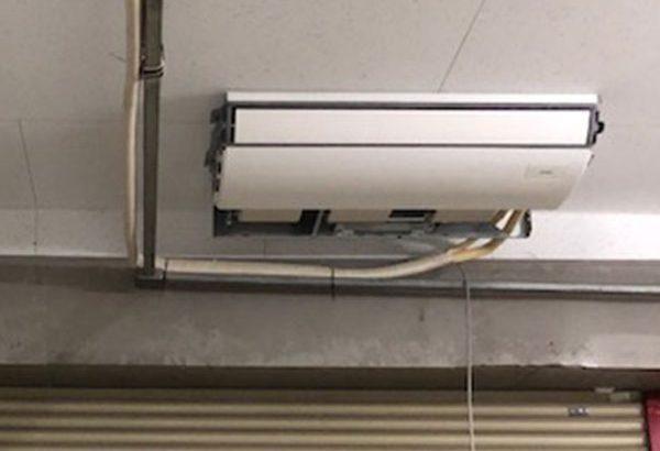 室内機吊込み及び配管設置②
